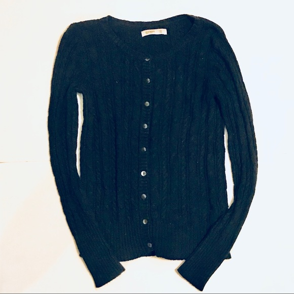 Old Navy Sweaters - Old Navy Black Cable Knit cardigan